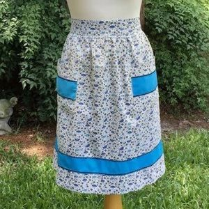 Apron ~Turquoise, Navy, Green Floral  Pockets VGVC